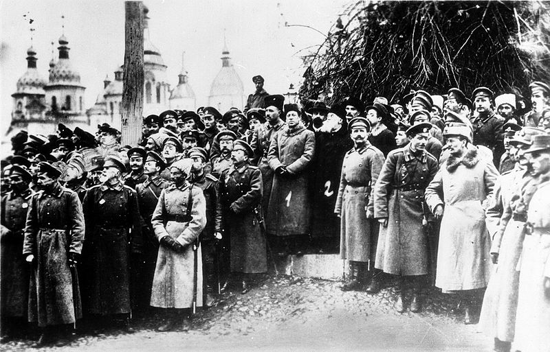 Делегаты третьего войскового съезда в Киеве, Софийская площадь, декабрь 1917 года