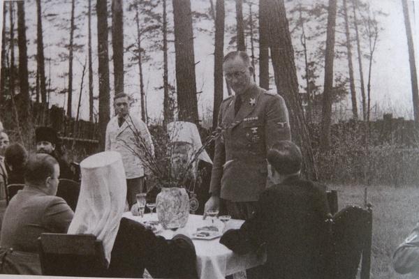 (Белорусские иерархи на пикнике в комиссаром фон Готтбергом 2