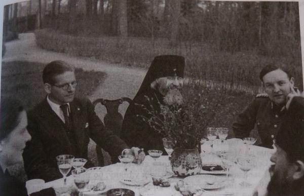 (Белорусские иерархи на пикнике в комиссаром фон Готтбергом