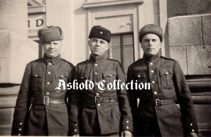 Група український добровольців в Могилеве, 1942..JPG