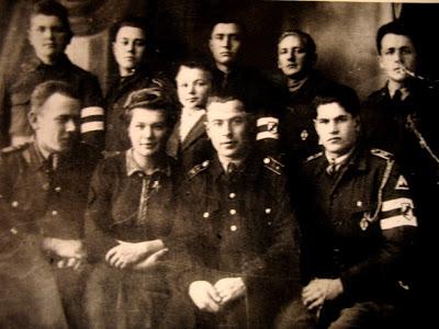 Учительскии семинарии в Поставах. Снимок сделан в конце 1943 году.. Крайний слева - Виктор Сикора